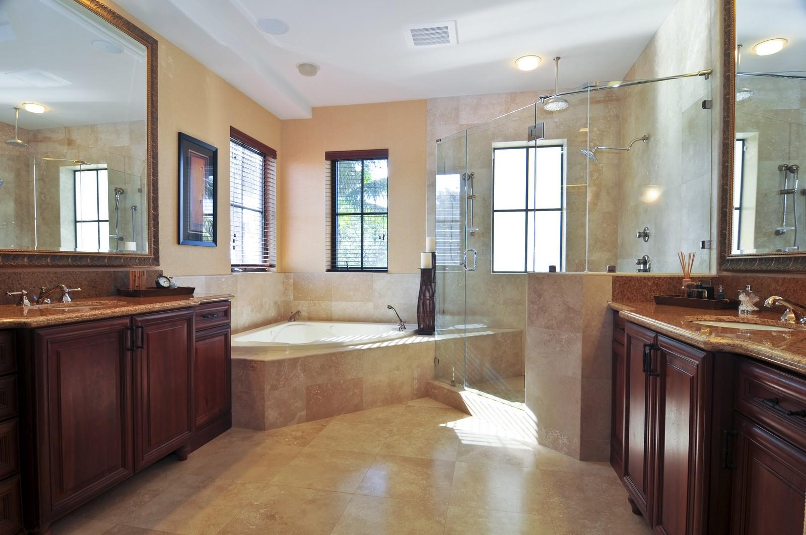 Real Estate Photography - 3040 Prairie Ave, Miami Beach, FL, 33140 - Master Bathroom