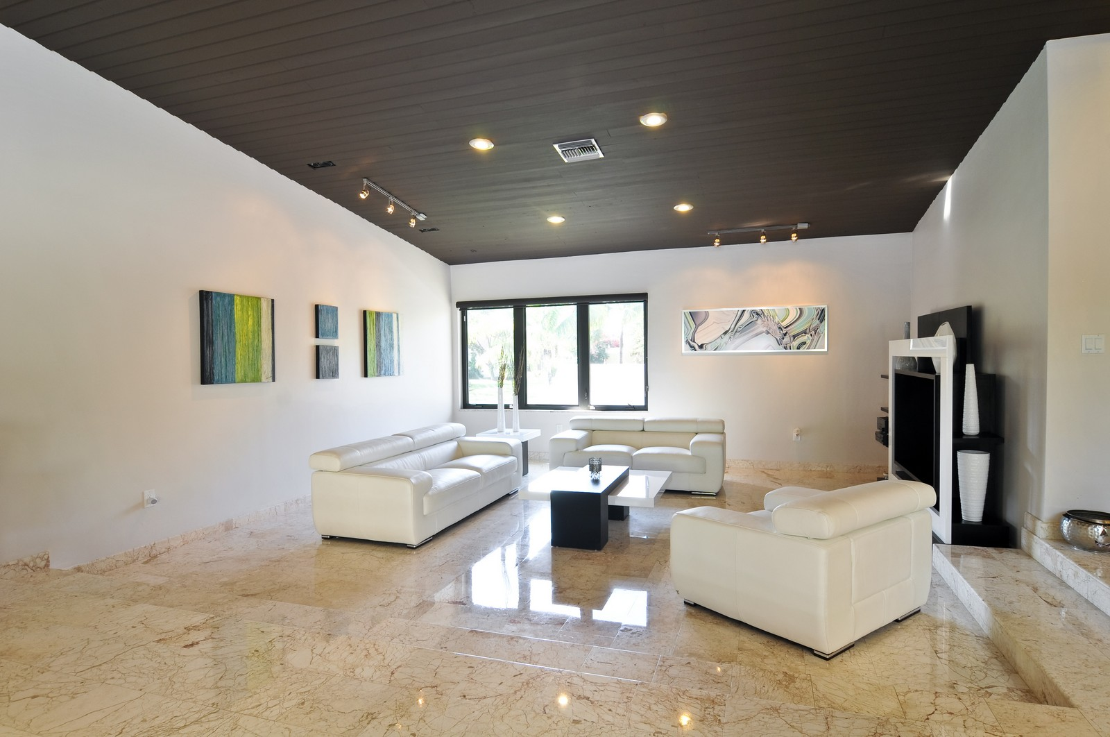 Real Estate Photography - 17125SW 80th Ct., Palmetto Bay, FL, 33157 - Living Room