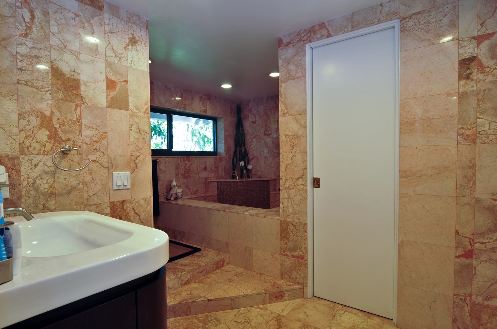 Real Estate Photography - 17125SW 80th Ct., Palmetto Bay, FL, 33157 - Master Bathroom