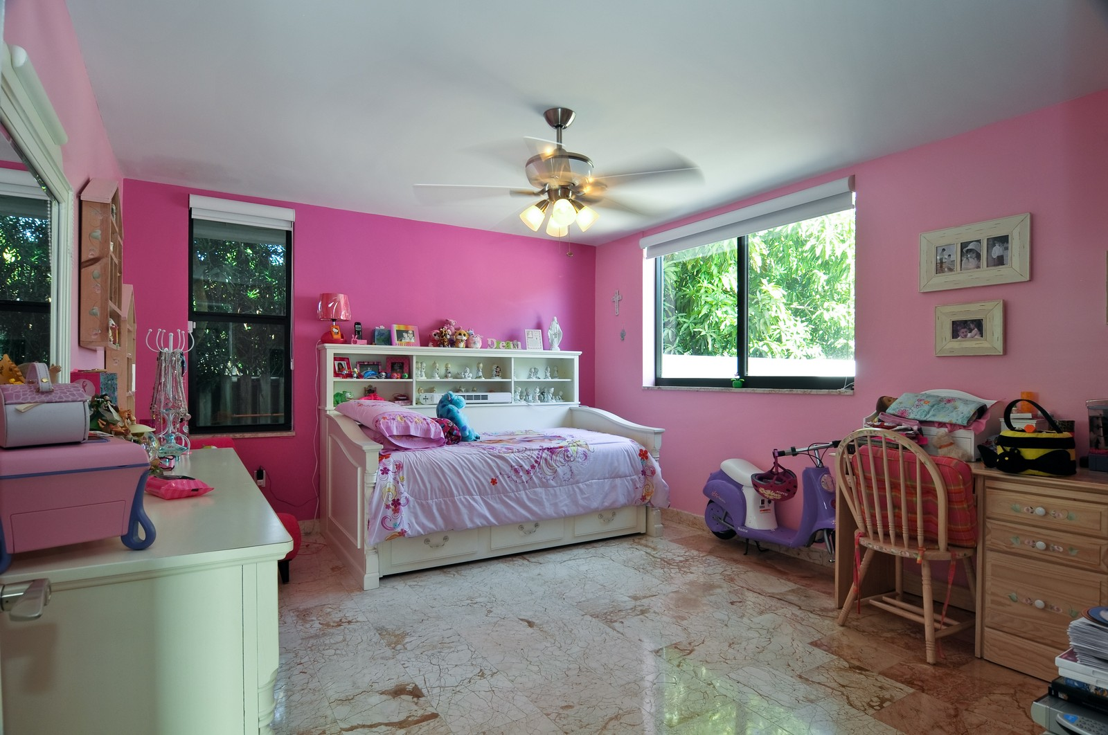 Real Estate Photography - 17125SW 80th Ct., Palmetto Bay, FL, 33157 - Kids Bedroom
