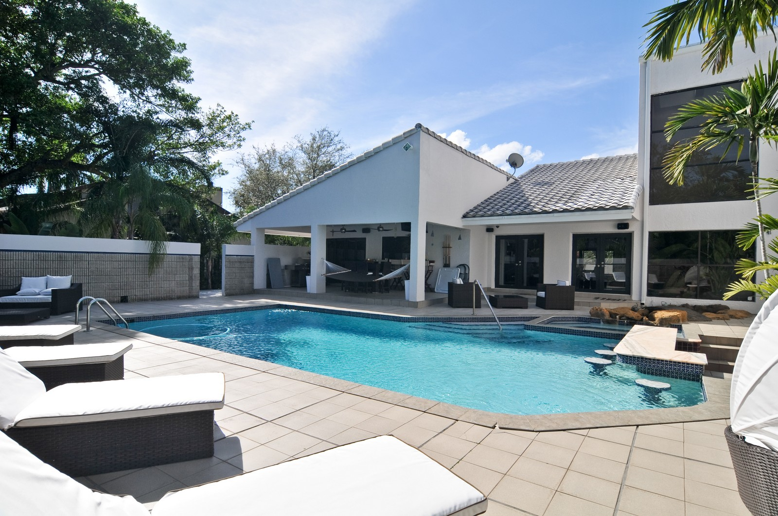 Real Estate Photography - 17125SW 80th Ct., Palmetto Bay, FL, 33157 - Pool