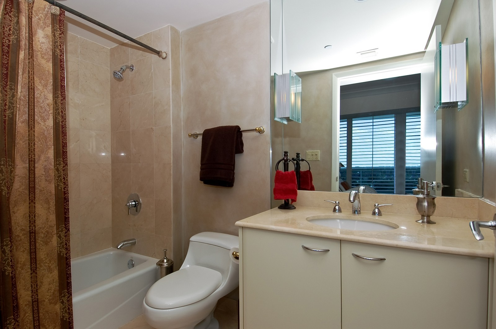 Real Estate Photography - 1600 S Ocean Blvd, Apt 802, Pompano Beach, FL, 33062 - 3rd Bathroom