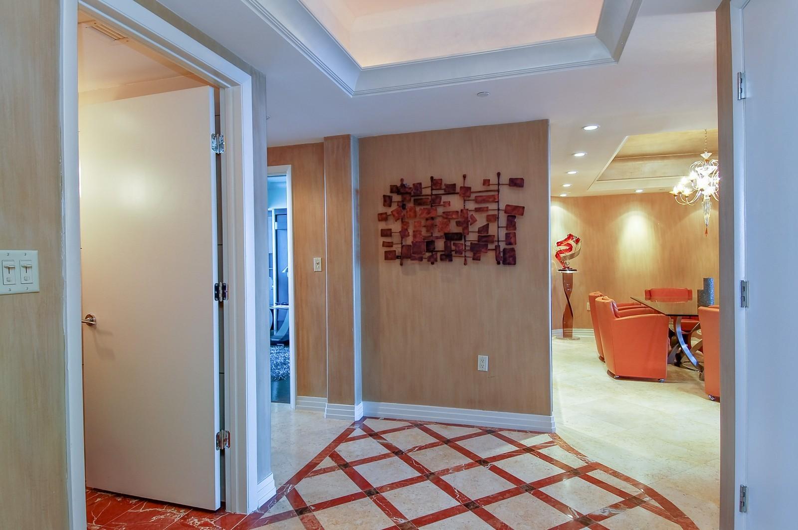 Real Estate Photography - 1600 S Ocean Blvd, Apt 802, Pompano Beach, FL, 33062 - Foyer