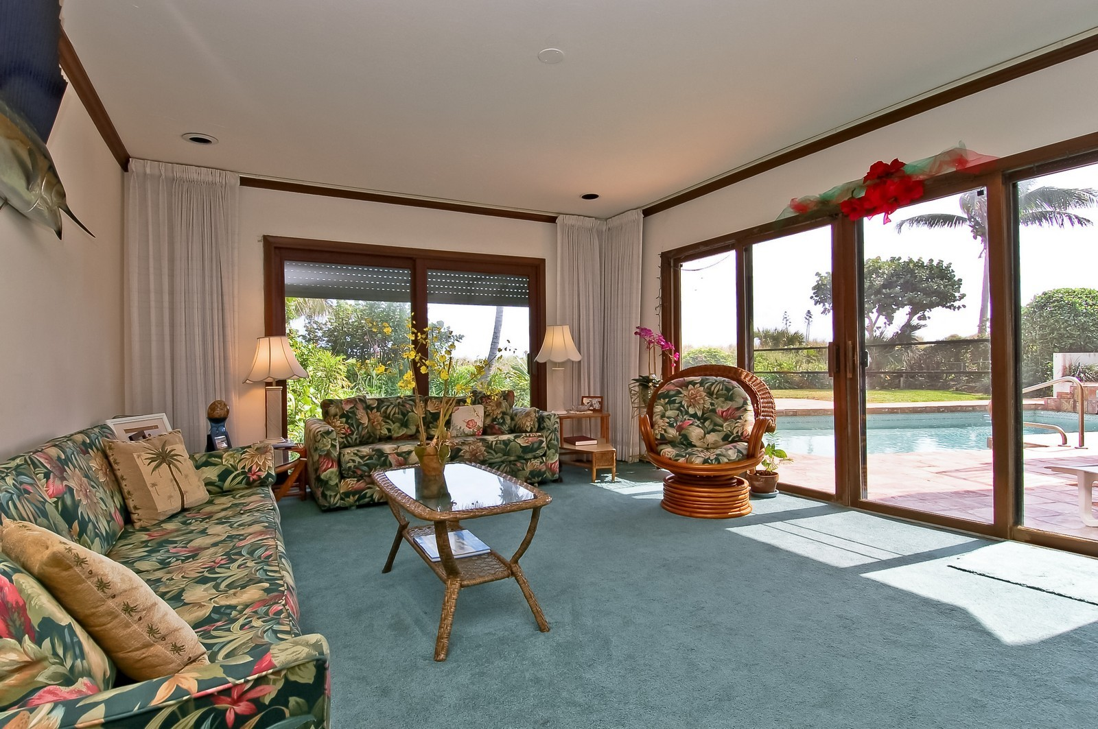 Real Estate Photography - 2004 Bay Dr, Pompano Beach, FL, 33062 - Living Room