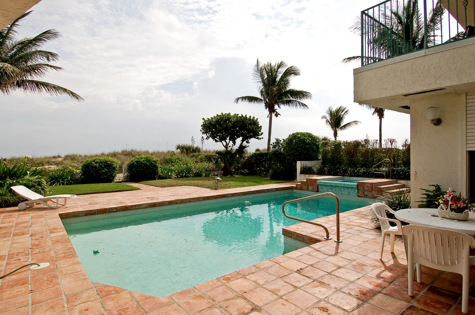 Real Estate Photography - 2004 Bay Dr, Pompano Beach, FL, 33062 - Pool