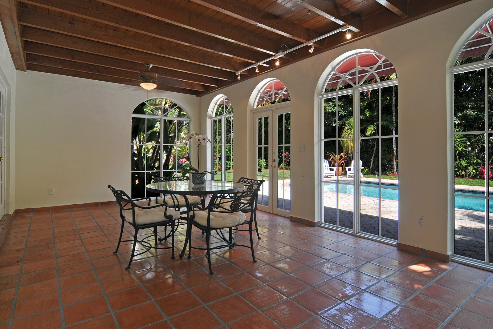Real Estate Photography - 536 Alhambra, Coral Gables, FL, 33134 - Terrace