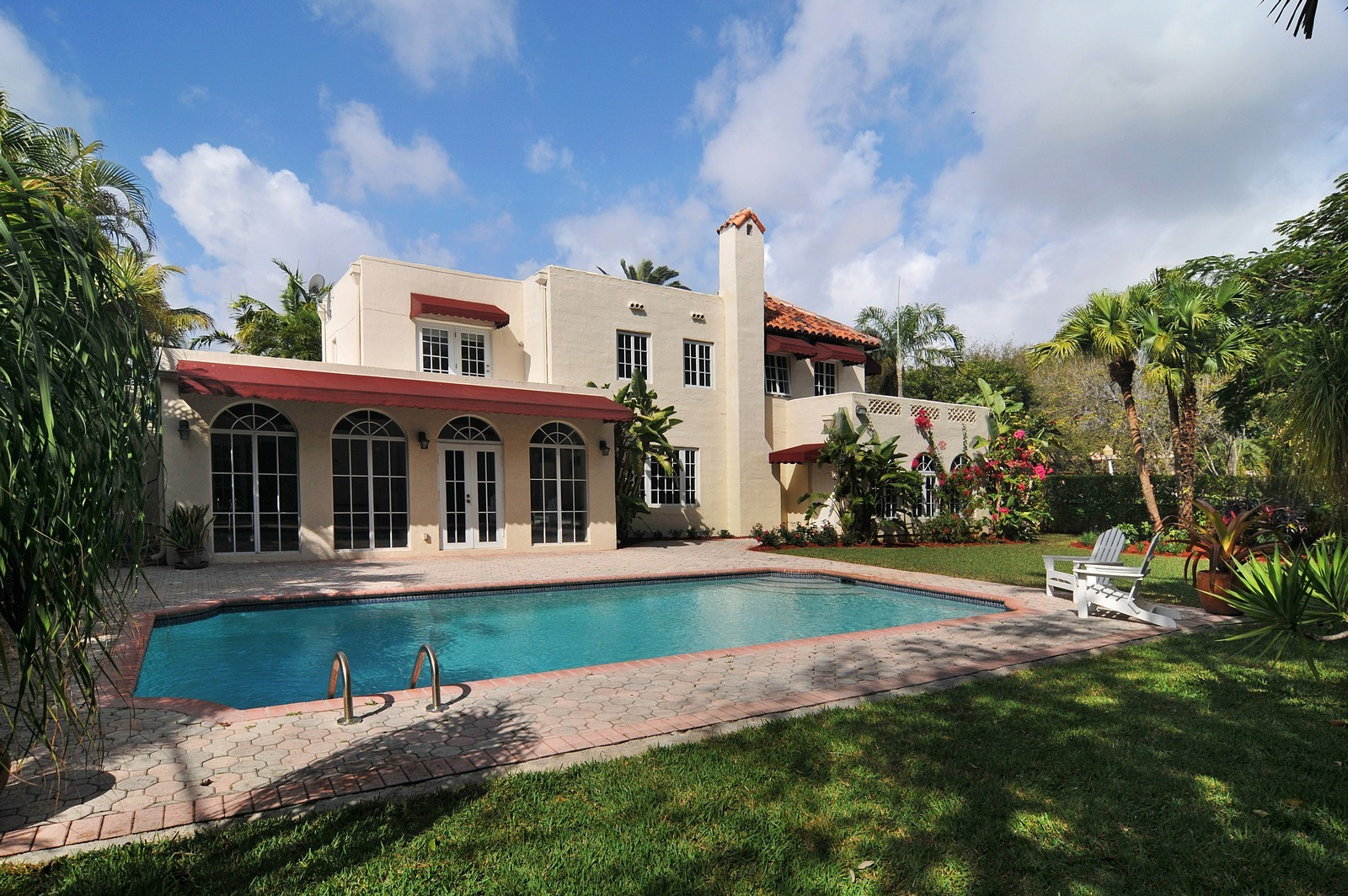 Real Estate Photography - 536 Alhambra, Coral Gables, FL, 33134 - Pool