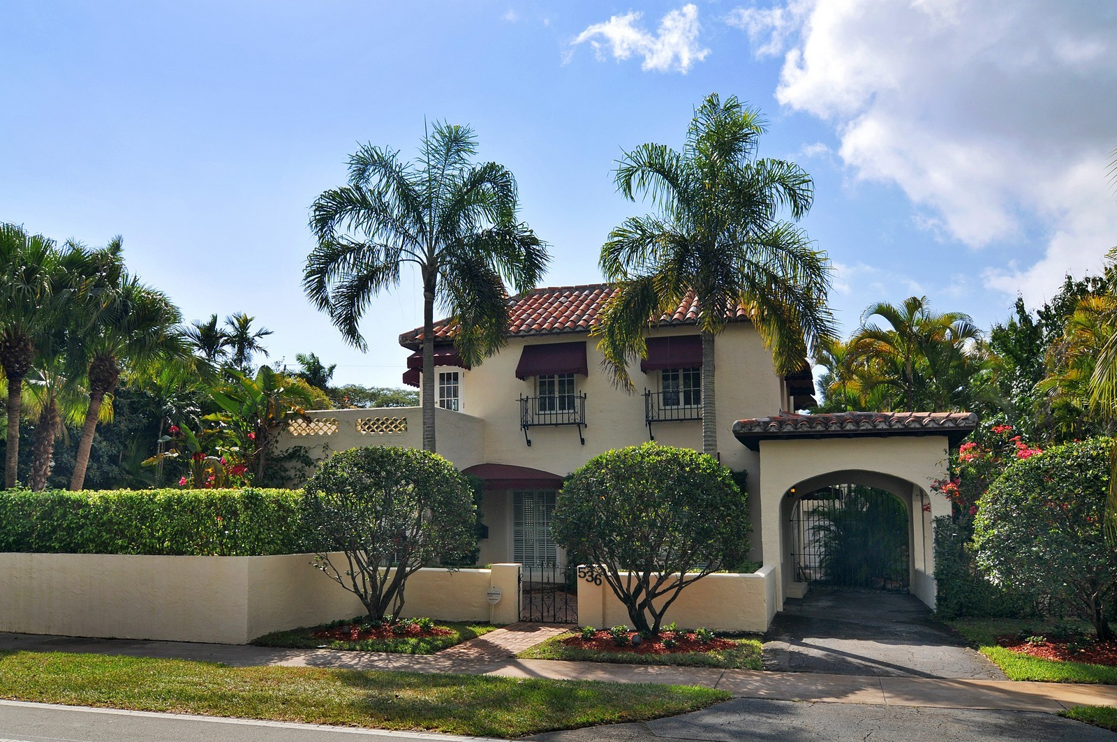 Real Estate Photography - 536 Alhambra, Coral Gables, FL, 33134 - Front View