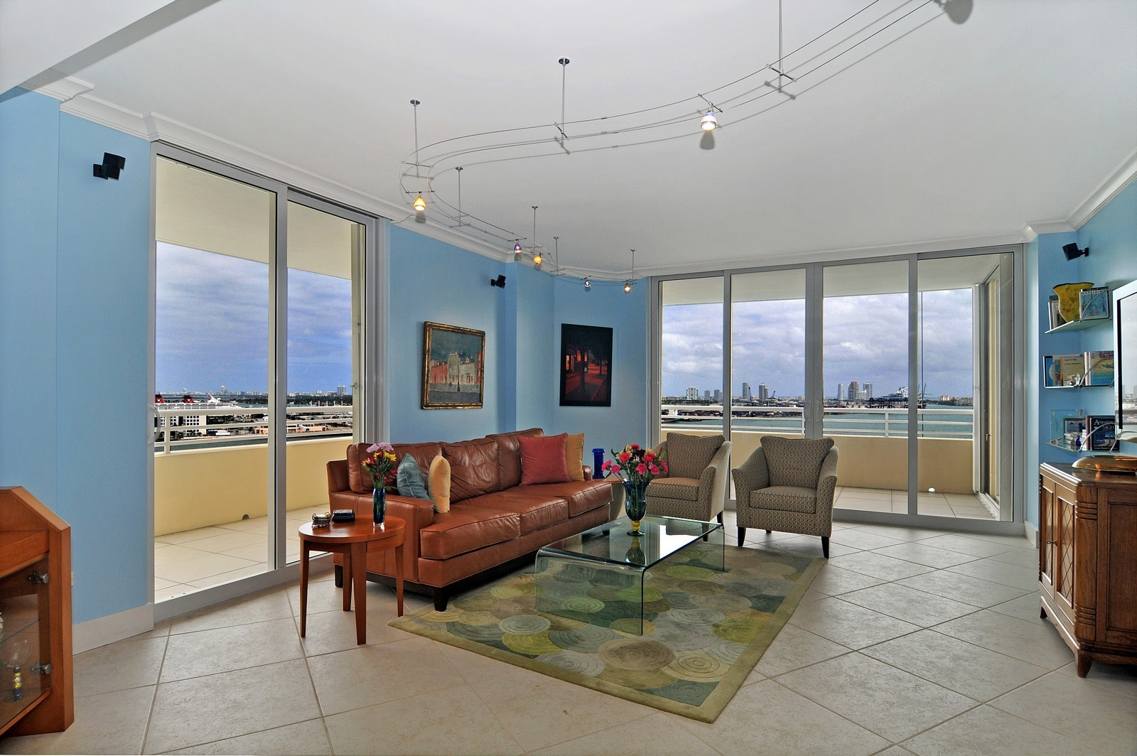 Real Estate Photography - 808 Brickell Key Dr, Miami, FL, 33131 - Living Room