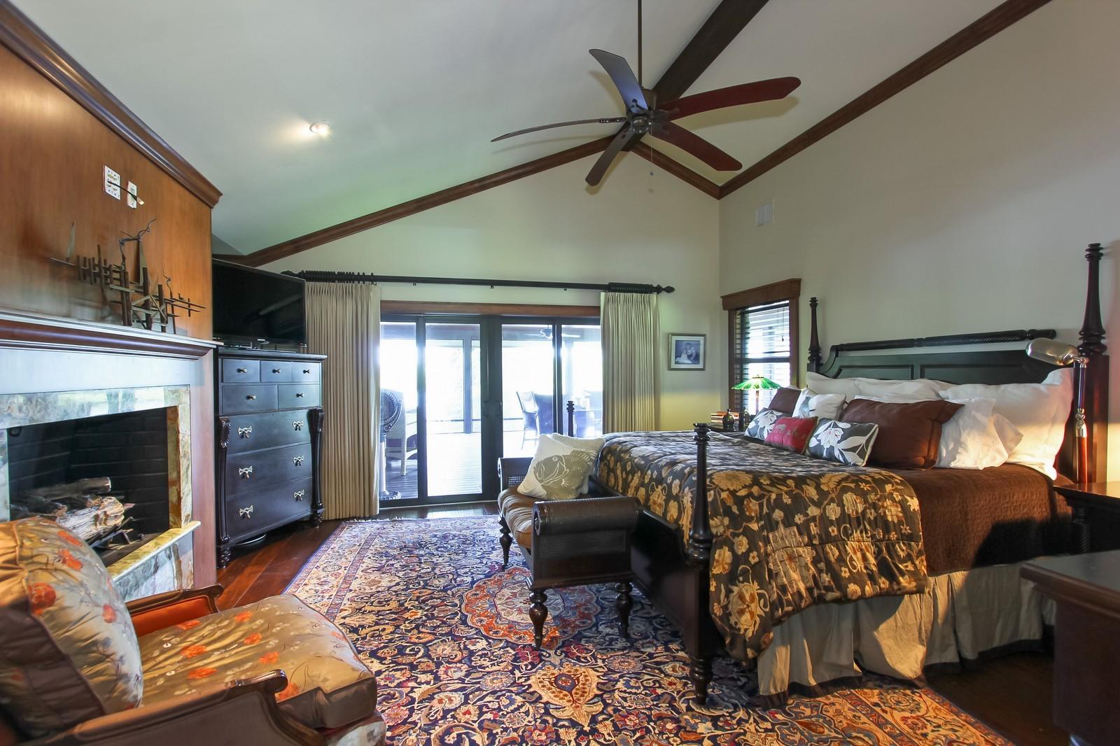 Real Estate Photography - 18300 SE Loxahatchee River Rd, Jupiter, FL, 33458 - Master Bedroom