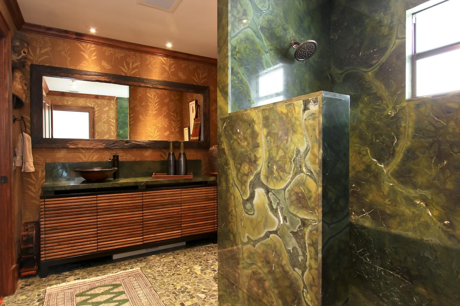 Real Estate Photography - 18300 SE Loxahatchee River Rd, Jupiter, FL, 33458 - Master Bathroom