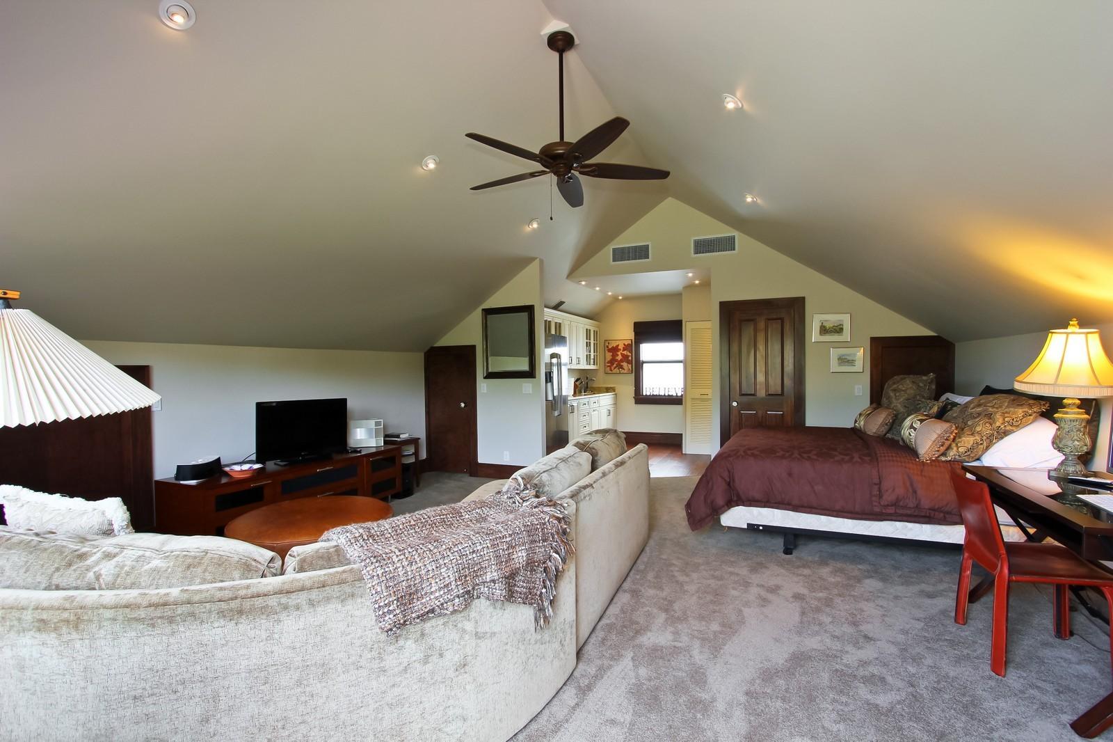 Real Estate Photography - 18300 SE Loxahatchee River Rd, Jupiter, FL, 33458 - Guest House