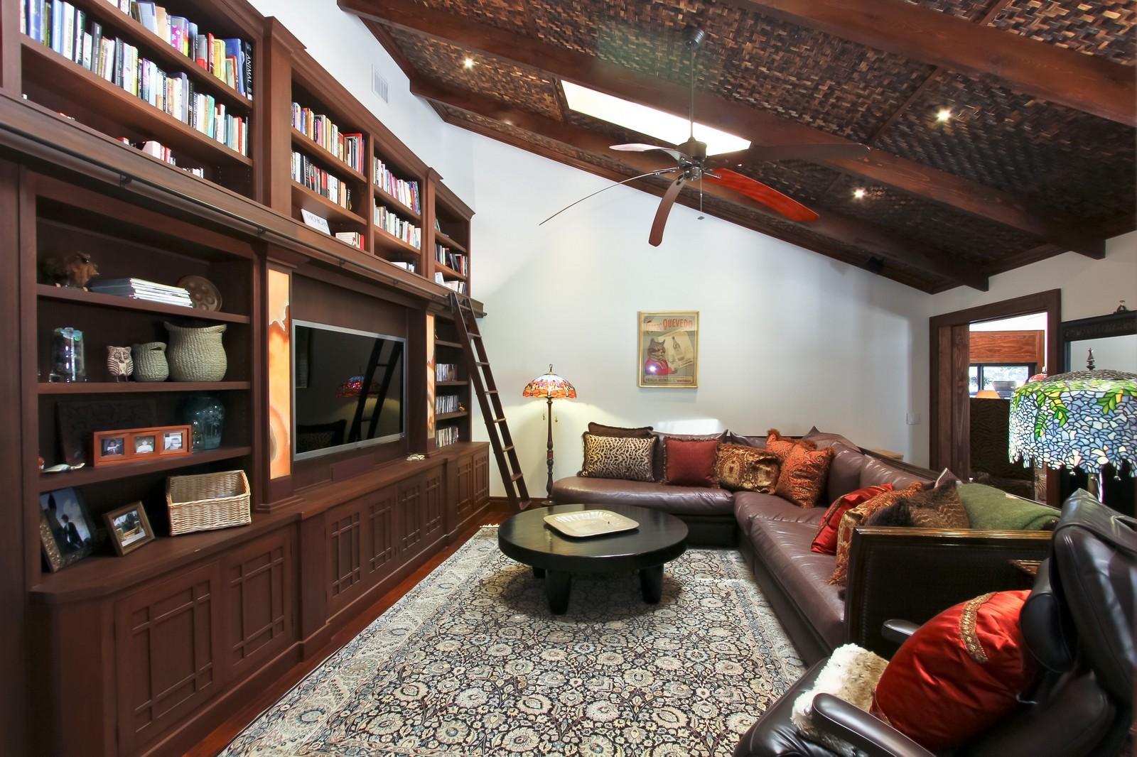 Real Estate Photography - 18300 SE Loxahatchee River Rd, Jupiter, FL, 33458 - Den