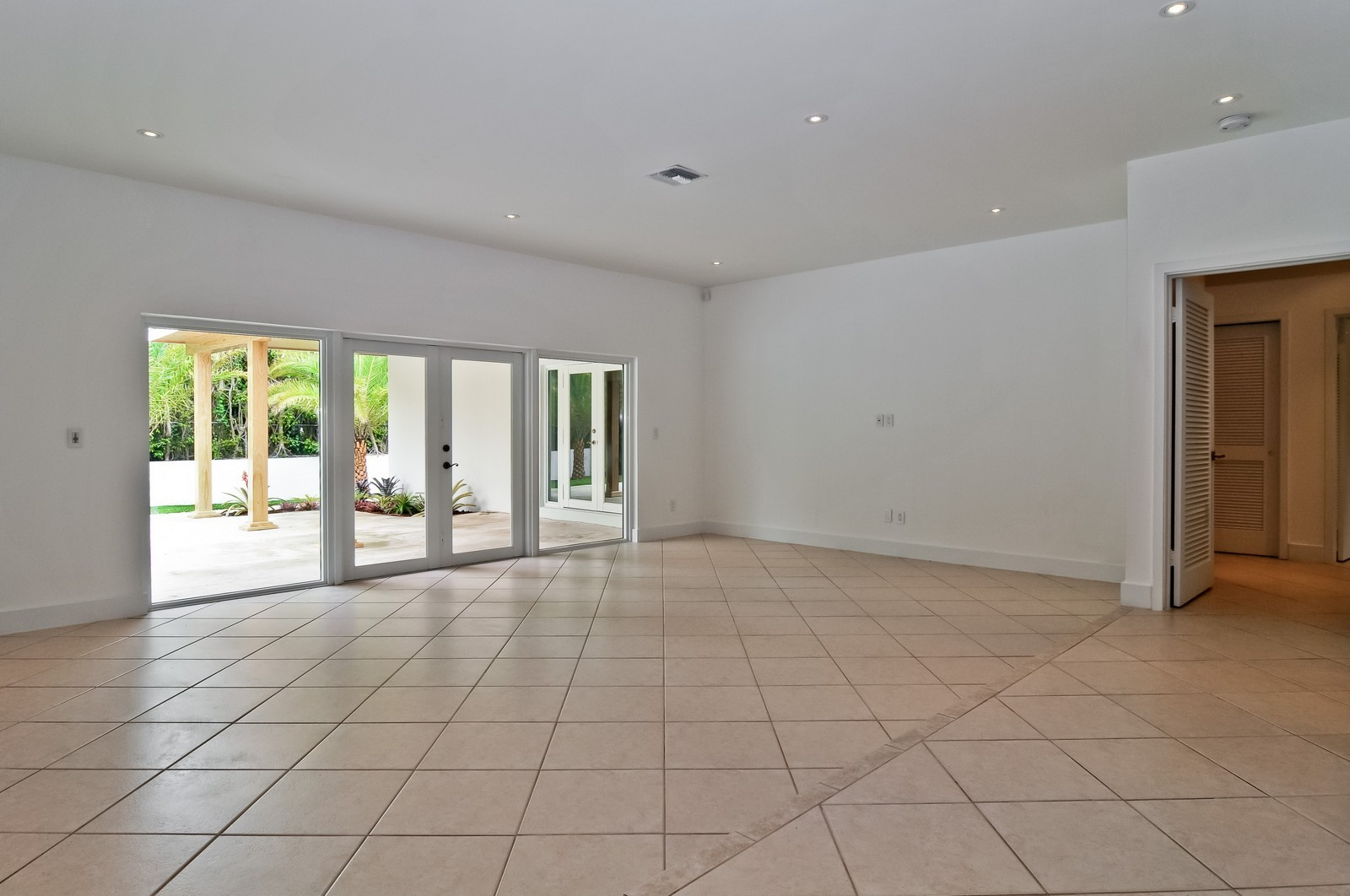 Real Estate Photography - 3645 Battersea, Miami, FL, 33133 - Living Room