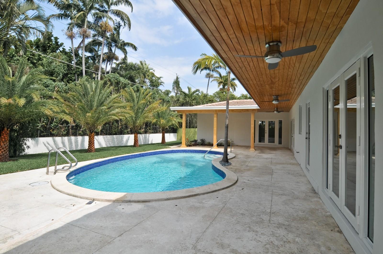 Real Estate Photography - 3645 Battersea, Miami, FL, 33133 - Pool