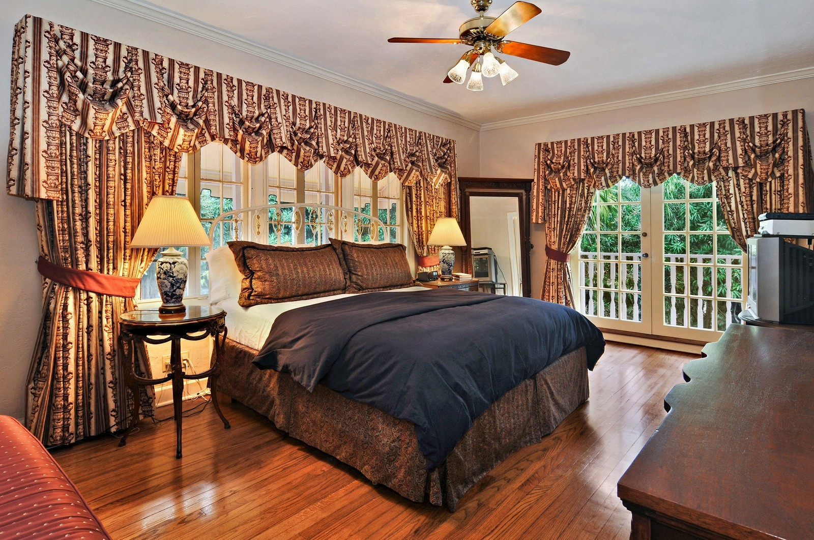 Real Estate Photography - 716 Alhambra Circle, Coral Gables, FL, 33134 - Master Bedroom