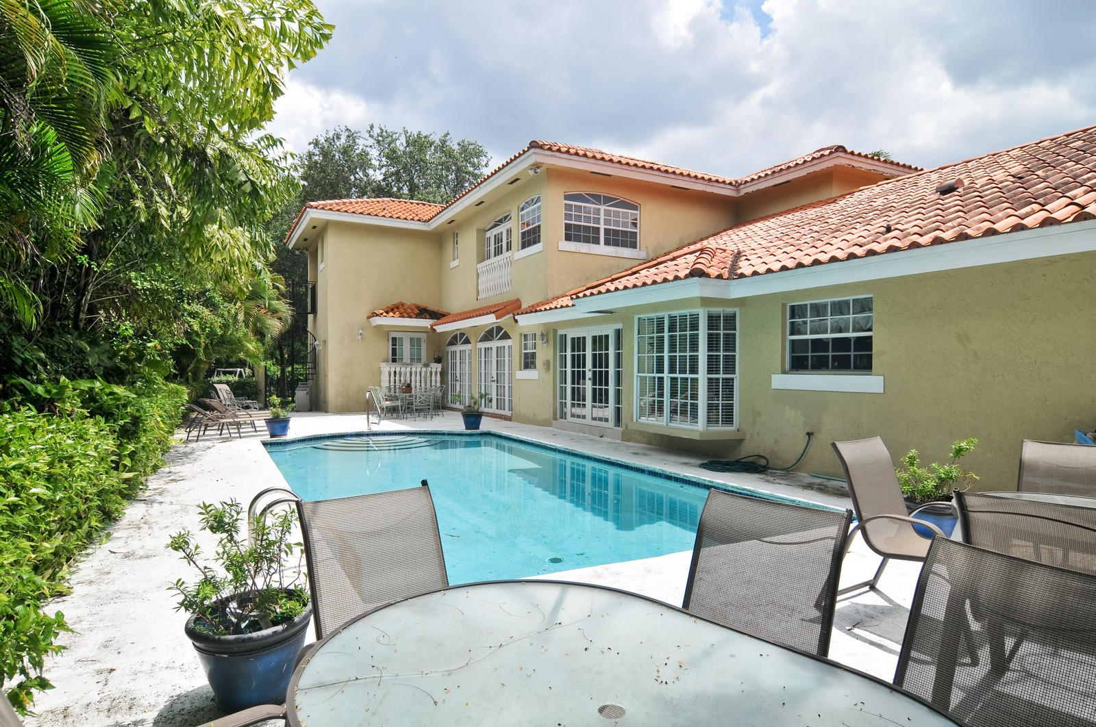 Real Estate Photography - 4011 Toledo, Coral Gables, FL, 33146 - Pool