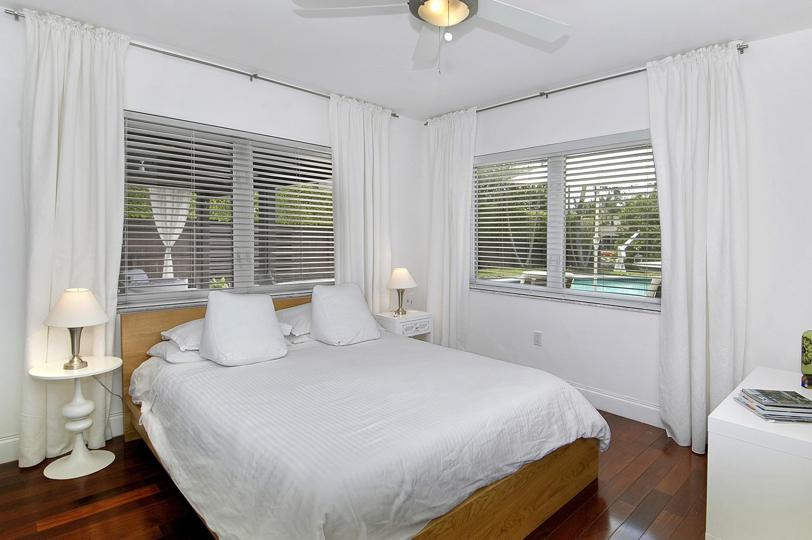 Real Estate Photography - 1500 Cleveland Rd, Miami Beach, FL, 33141 - Bedroom