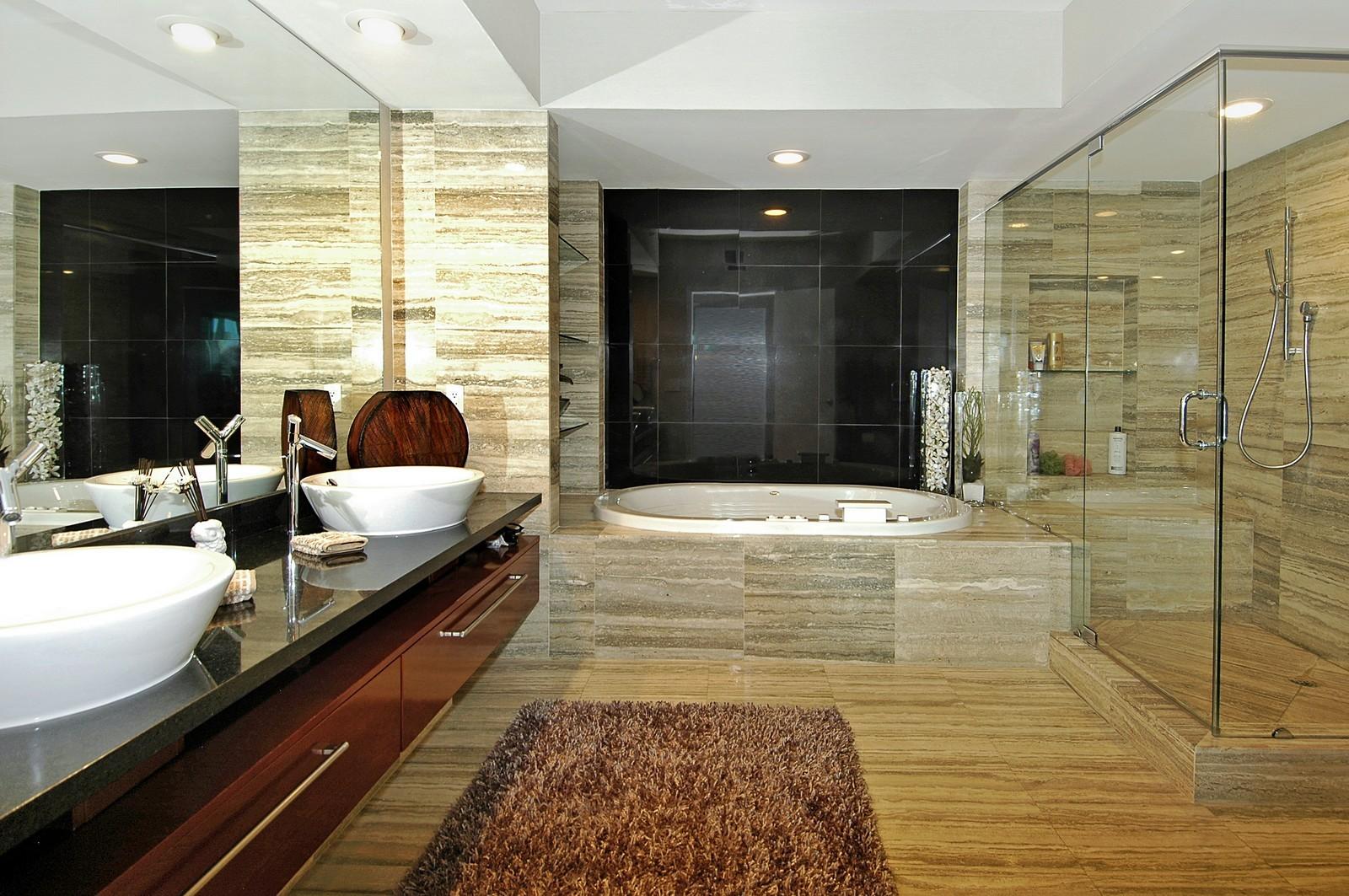 Real Estate Photography - 101 S Fort Lauderdale Beach Blvd, Unit 1506, Fort Lauderdale, FL, 33316 - Master Bathroom