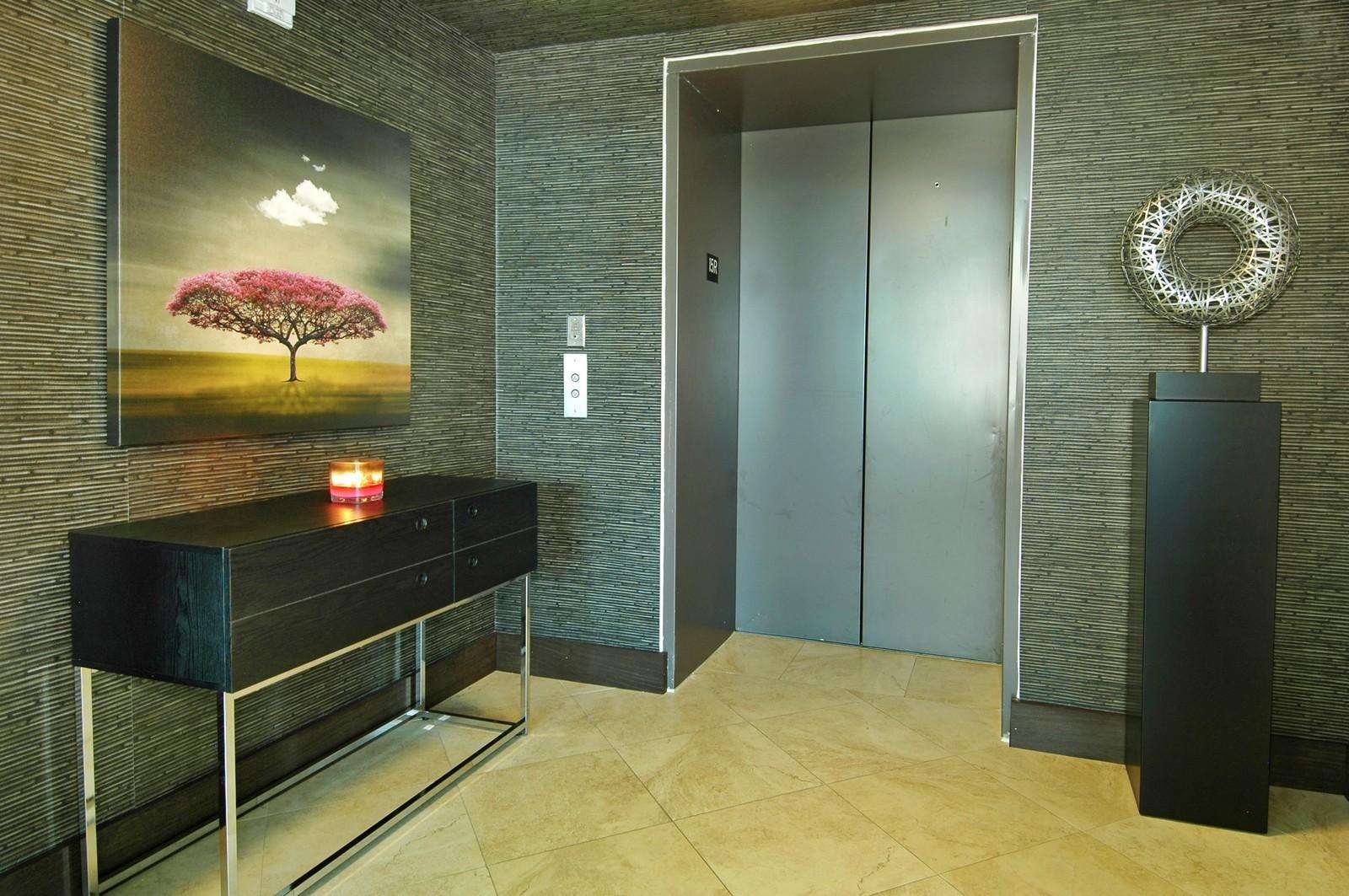 Real Estate Photography - 101 S Fort Lauderdale Beach Blvd, Unit 1506, Fort Lauderdale, FL, 33316 - Foyer