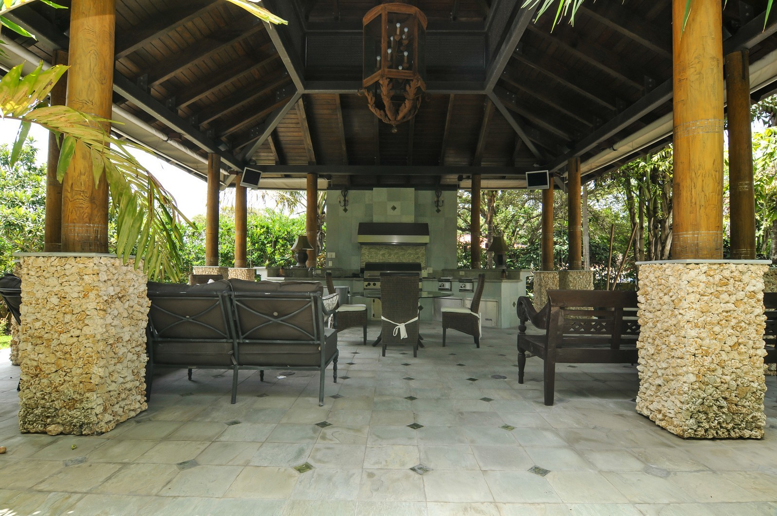 Real Estate Photography - 14200 Farmer Rd, Palmetto Bay, FL, 33158 - Barbeque / Picnic Area