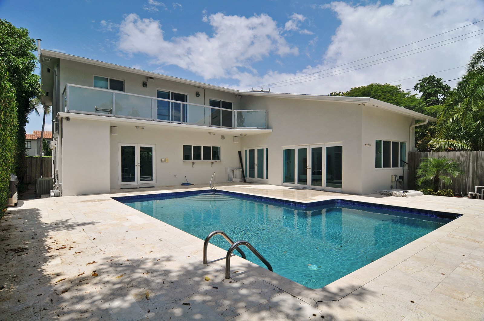 Real Estate Photography - 3711 Sheridan Ave, Miami Beach, FL, 33140 - Pool
