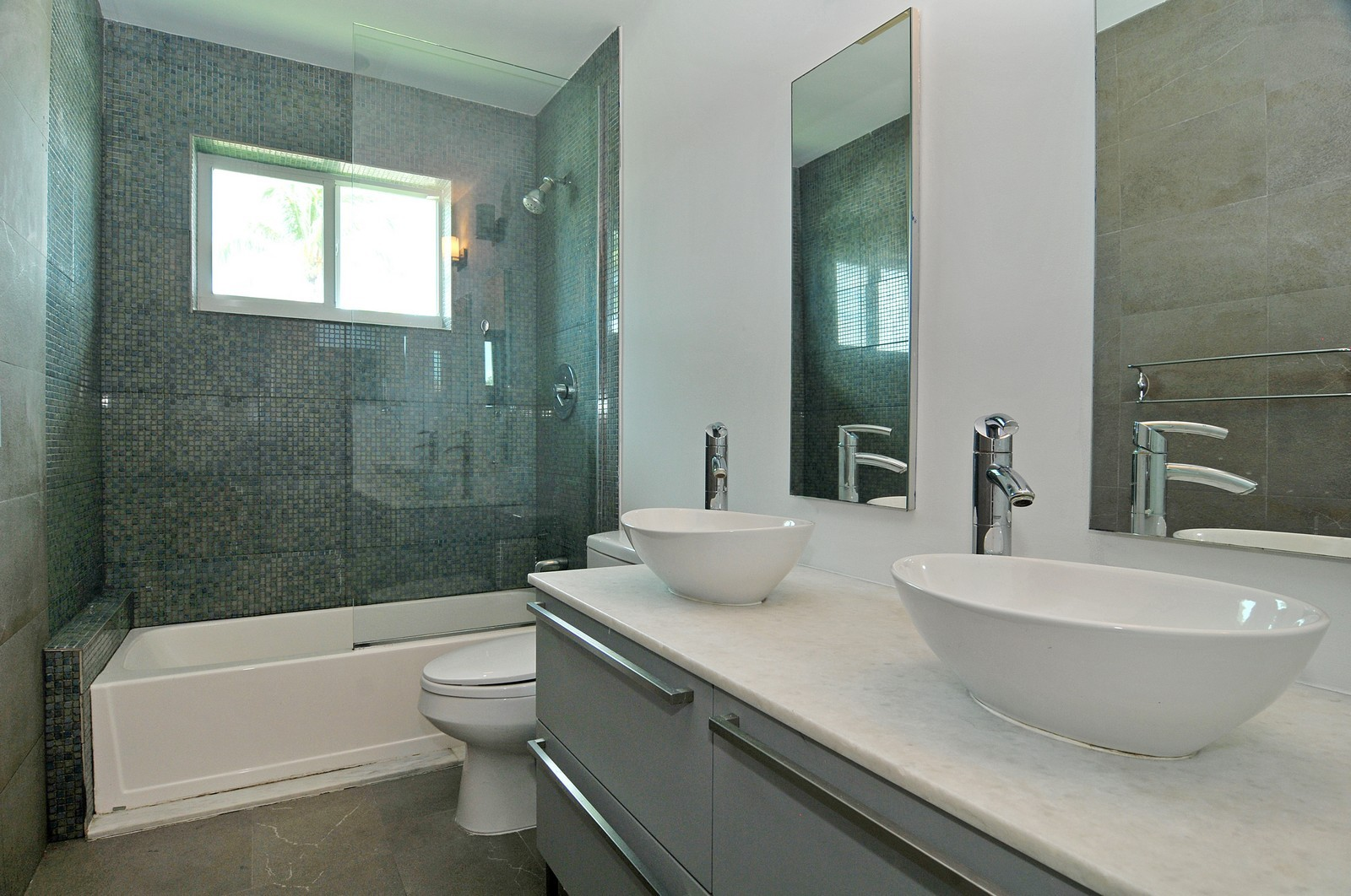 Real Estate Photography - 3711 Sheridan Ave, Miami Beach, FL, 33140 - 2nd Bathroom