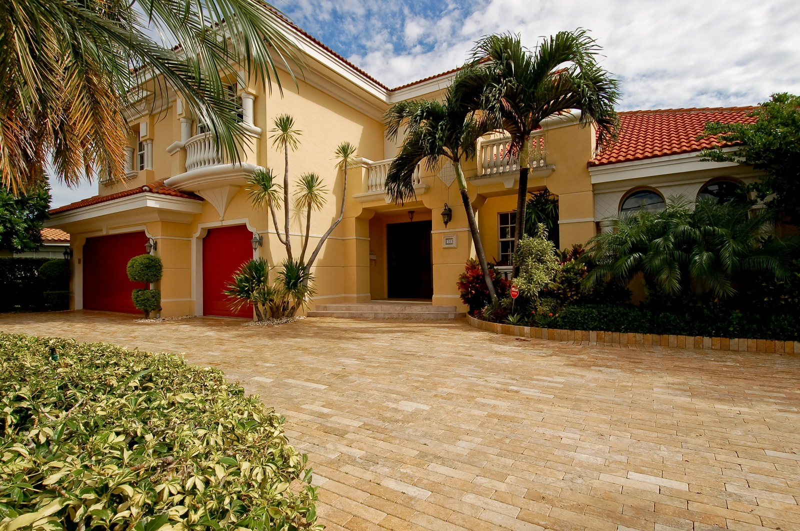 Real Estate Photography - 2325 NE 28th Ct, Lighthouse Point, FL, 33064 - Front View