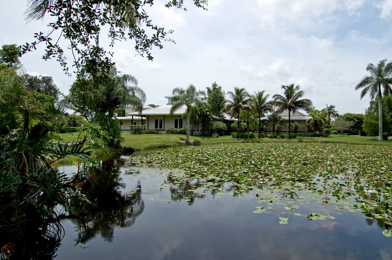 Real Estate Photography - 12800 SW 33RD DRIVE, DAVIE, FL, 33330 - Rear View