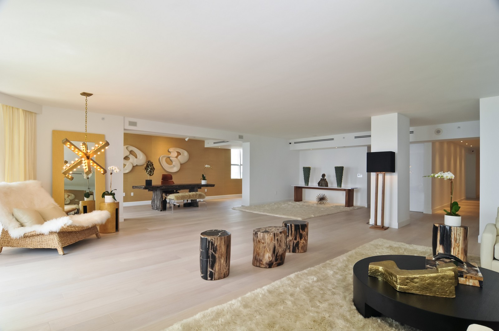 Real Estate Photography - 5801 Collins Ave, Unit 500, Miami Beach, FL, 33140 - Living Room