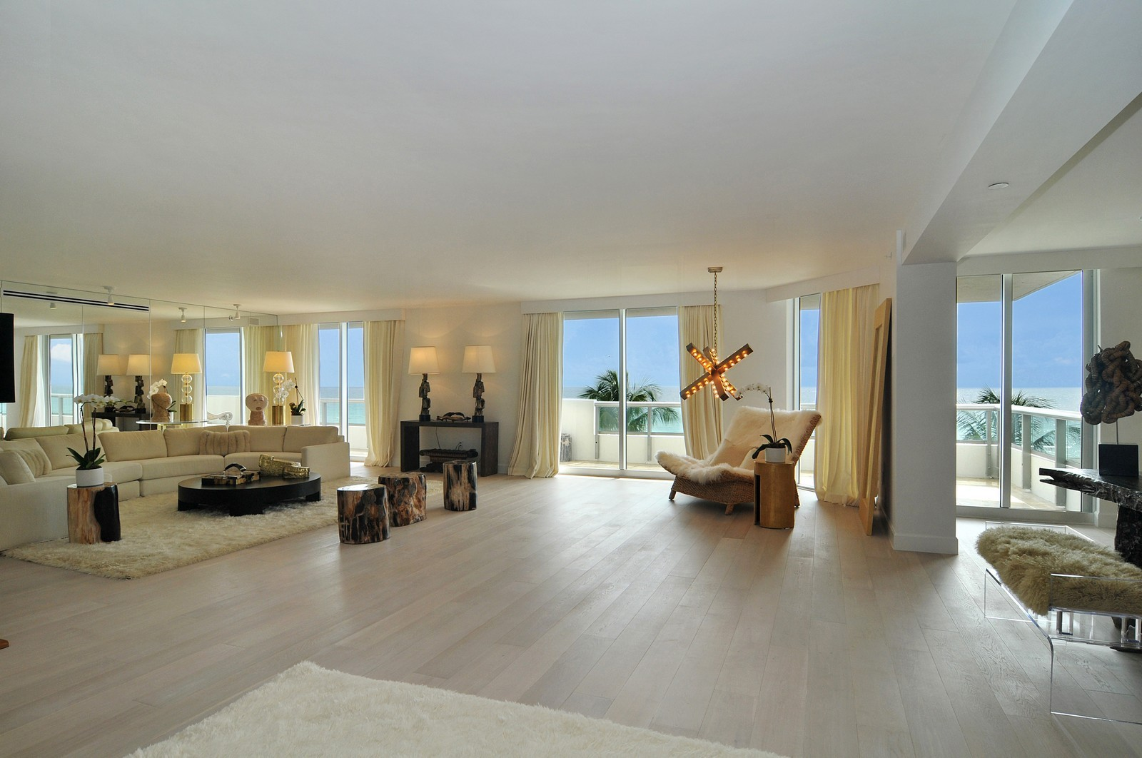 Real Estate Photography - 5801 Collins Ave, Unit 500, Miami Beach, FL, 33140 - Great Room