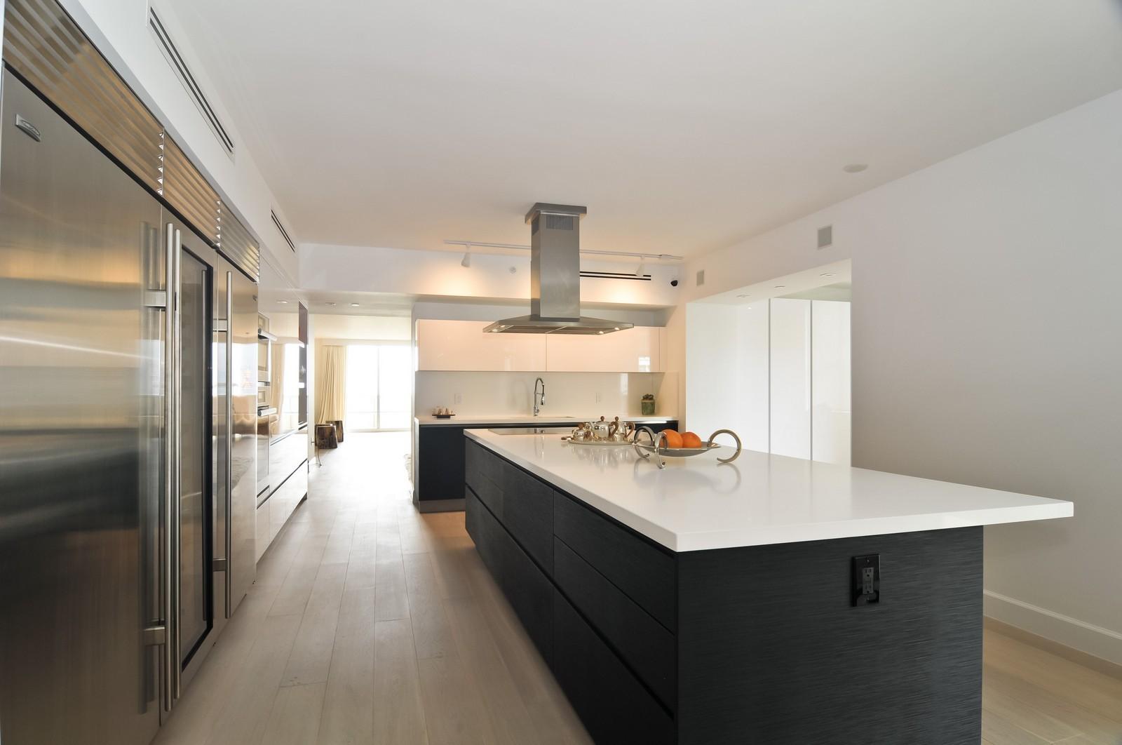 Real Estate Photography - 5801 Collins Ave, Unit 500, Miami Beach, FL, 33140 - Kitchen