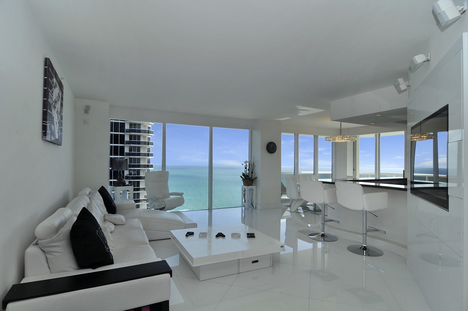 Real Estate Photography - 4775 Collins Avenue, 3401, Miami Beach, FL, 33140 - Great Room