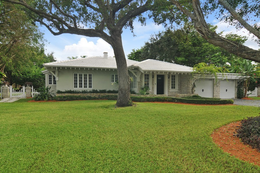 Real Estate Photography - 5978 Miller Rd, South Miami, FL, 33155 - Front View