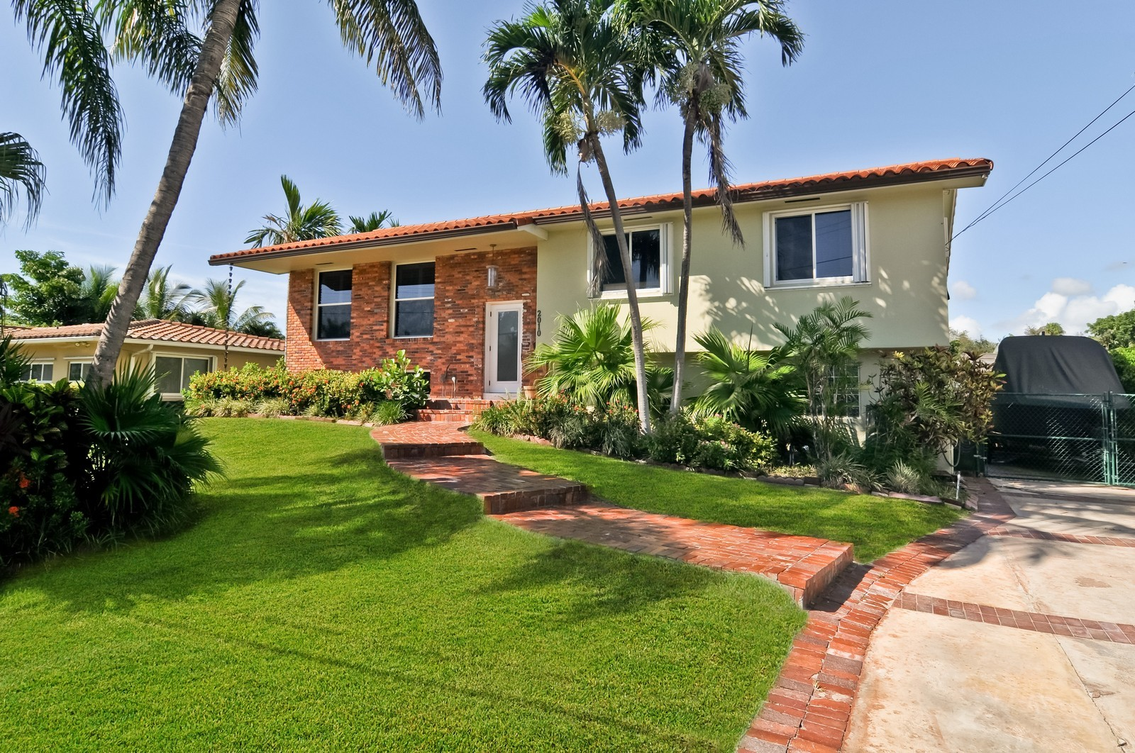 Real Estate Photography - 2010 NE 121st Rd, Miami, FL, 33181 - Front View