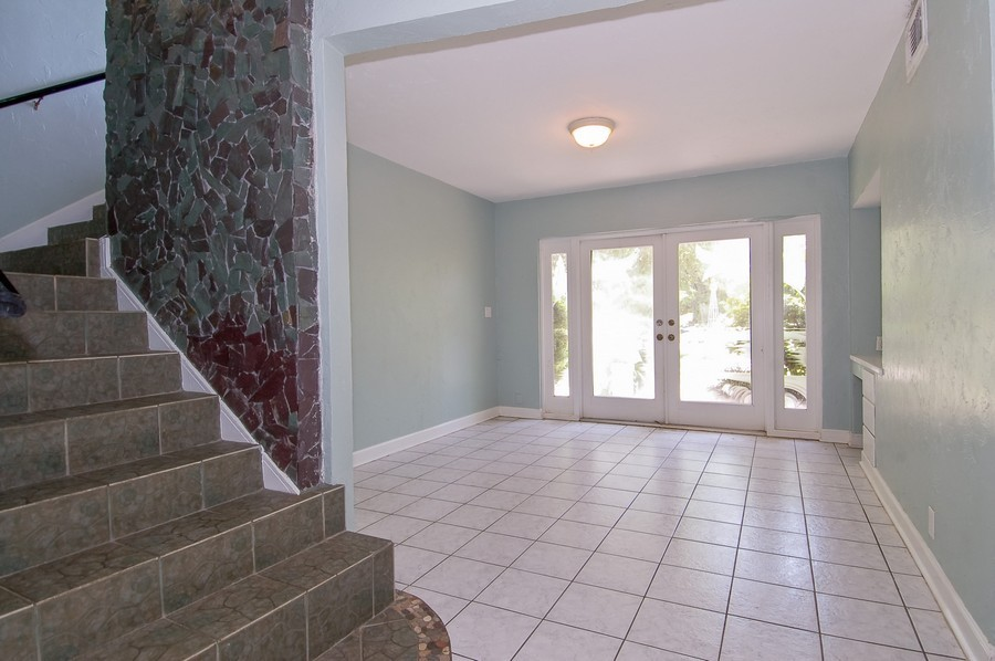 Real Estate Photography - 1903 Bay Dr, Pompano Beach, FL, 33062 - Foyer