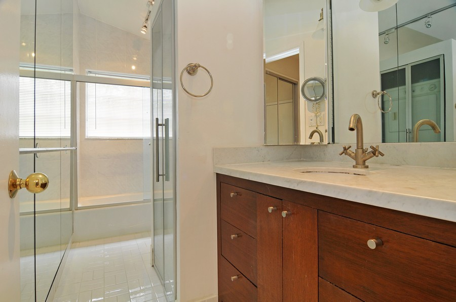 Real Estate Photography - 3015 Orange St, Miami, FL, 33133 - Bathroom