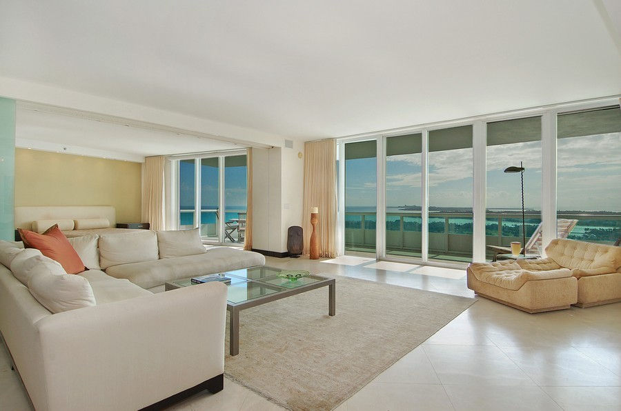 Real Estate Photography - 1000 S Pointe Drive, #2802, Miami Beach, FL, 33139 - Living Room