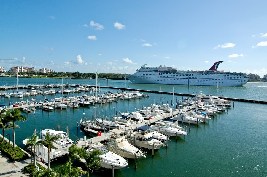 Real Estate Photography - 1000 S Pointe Drive, #2802, Miami Beach, FL, 33139 - Miami Beach Marina