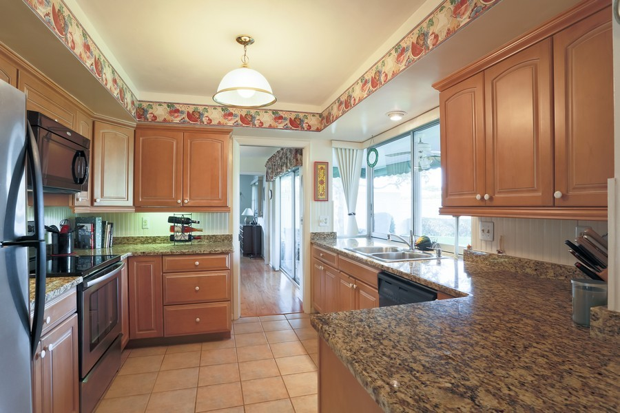 Real Estate Photography - 109 23rd St, Belleair Beach, FL, 33786 - Kitchen