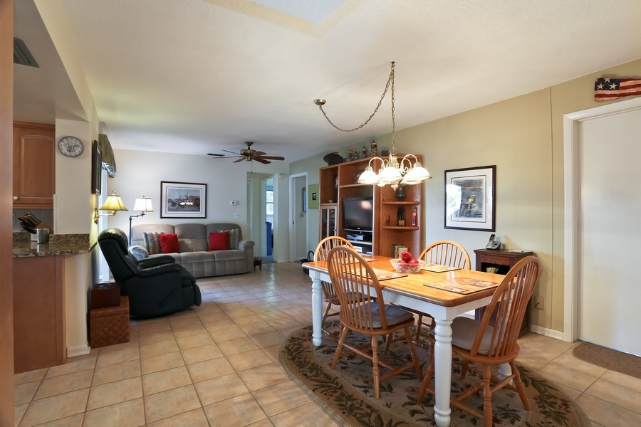 Real Estate Photography - 109 23rd St, Belleair Beach, FL, 33786 - Dining Area