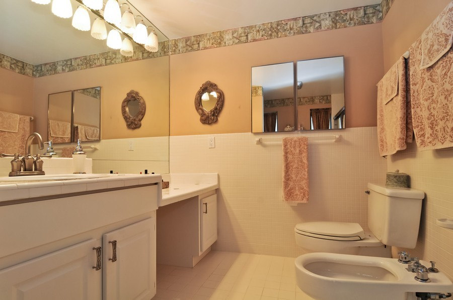 Real Estate Photography - 18900 sw 232th St., Miami, FL, 33170 - Master Bathroom