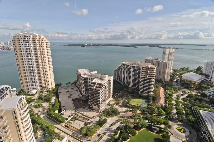 Real Estate Photography - 900 Brickell Key Blvd, Apt 3004, Miami, FL, 33131 - Bay View