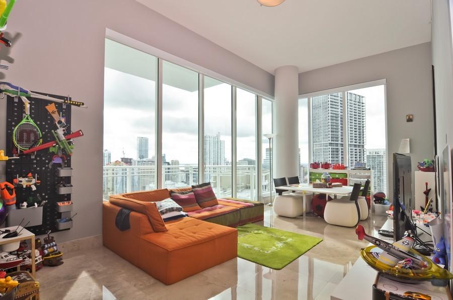 Real Estate Photography - 900 Brickell Key Blvd, Apt 3004, Miami, FL, 33131 - Family Room