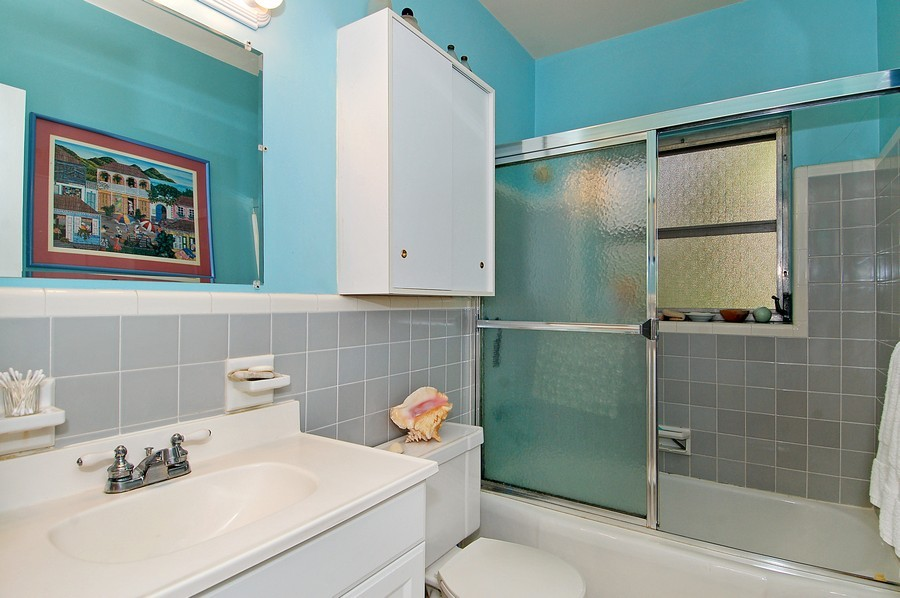 Real Estate Photography - 1549 SW 30 Pl, Ft Laud, FL, 33315 - Bathroom