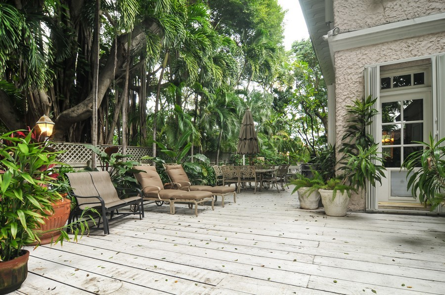 Real Estate Photography - 3838 N Bayshore Drive, Miami, FL, 33137 - Terrace