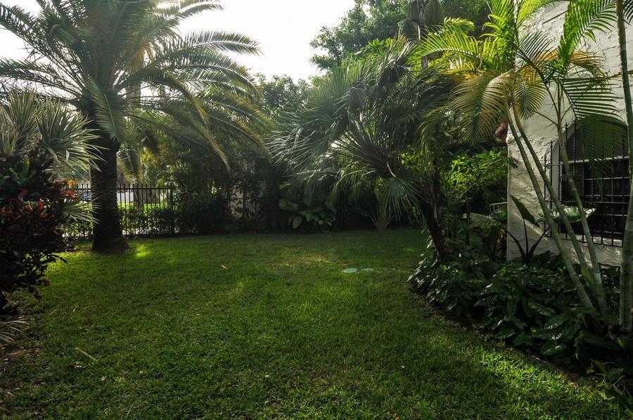 Real Estate Photography - 4174 Alton Rd, Miami Beach, FL, 33140 - Garden
