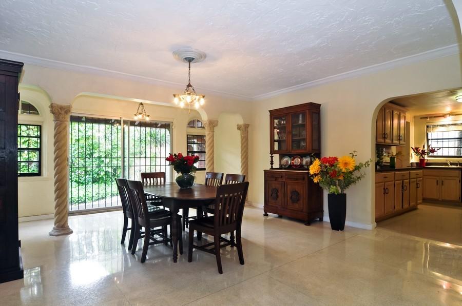 Real Estate Photography - 4174 Alton Rd, Miami Beach, FL, 33140 - Kitchen / Dining Room