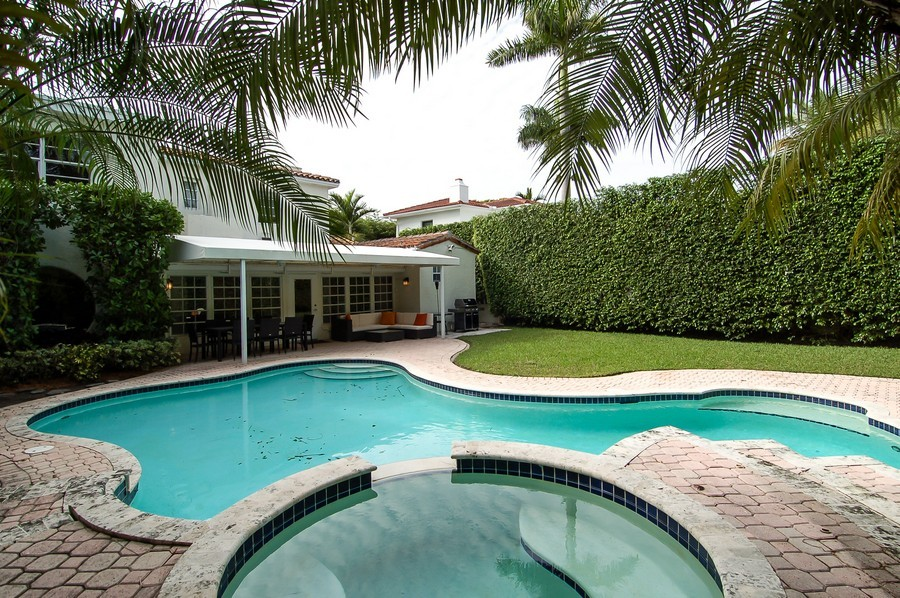 Real Estate Photography - 5455 N Bay Road, Miami Beach, FL, 33140 - Back Yard