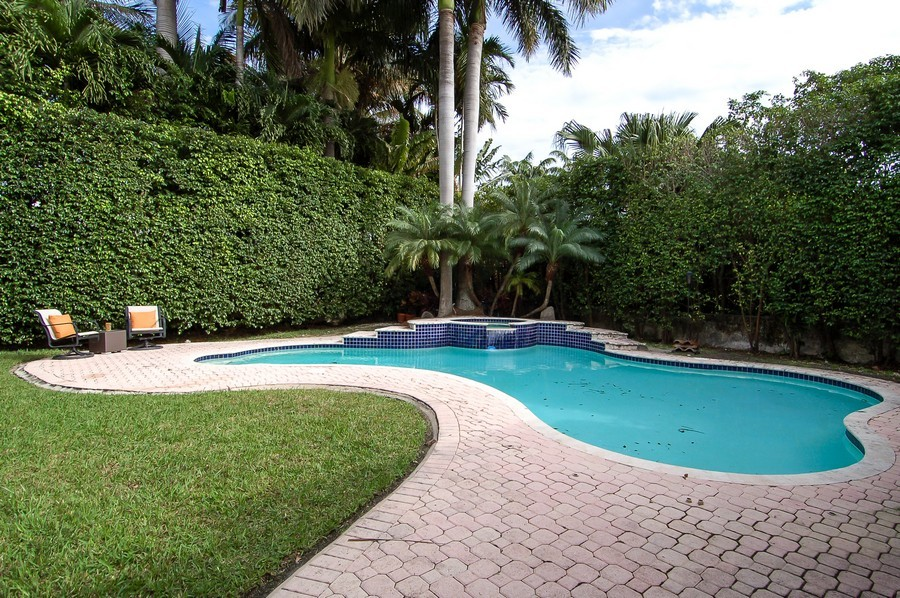 Real Estate Photography - 5455 N Bay Road, Miami Beach, FL, 33140 - Pool